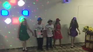 Grupo Sonho Mágico numa festa de 15 anos - Música Brincar de Amar