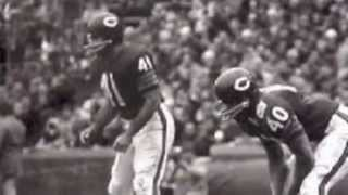 """GALE SAYERS WITH INSIGHT ON BRIAN PICCOLO & THE MOVIE """"BRIAN'S SONG"""""""