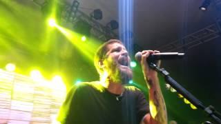 """Saulo canta """"Malandrinha"""" em Feira de Santana/BA"""