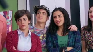 Violetta  Momento Musical  Violetta y Ludmila interpretan  Más que dos