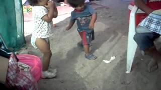 El baile de felipe en la playa.AVI
