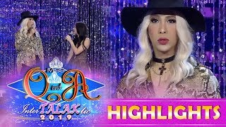 It's Showtime Miss Q and A: Vice Ganda flaunts his look for the day