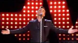 Robbie Williams - Feel (First Live Prezentation 2002)