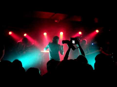 emarosa-heads-or-tails-real-or-not-hd-liveshotsberlin