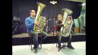 The Flintstones. Duo de tubas