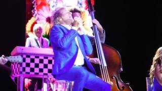The First Cut Is The Deepest - Rod Stewart Cover - Live 2017 Front Row Sheryl Crow