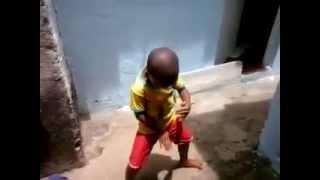 Whatsapp Vídeos Engraçados Garotinho Dançando Lepo Lepo Vídeos Engraçados