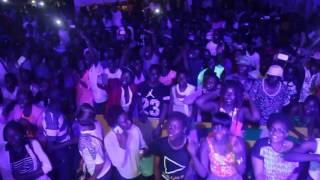 """Mr Leo performing """"On Va Gerer"""" at the University Games (Yaounde)"""