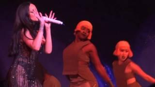 Rihanna - Work (Live)