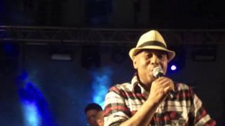 Virgílio cantando musica em Homenagem a Maragojipe