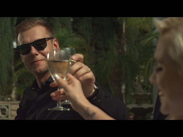 Videoclip oficial de 'I Need You', de Armin van Buuren, Garibay y Olaf Blackwood.