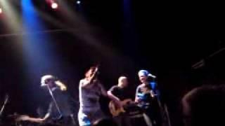 Εσυ δεν ζεις πουθενα-Μπλε live at Mylos Thessaloniki