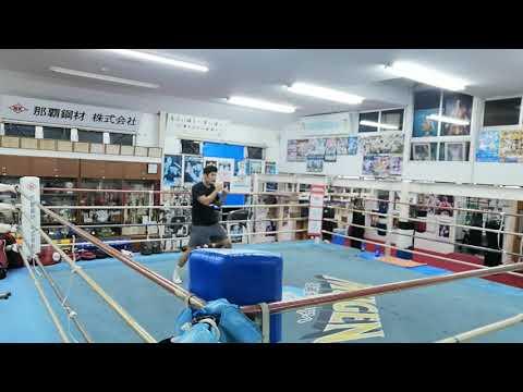 パッキャオ目指し力を抜いてシャドーボクシング ラウンド4