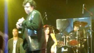 Sidney Magal (de pertinho) na Virada Cultural 2010 - Haja Amor de Luiz Caldas