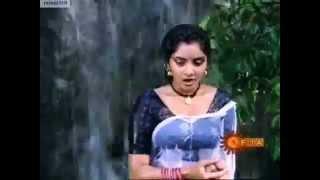 Divya's Rare Naa Ille Naa Swargam scene! width=