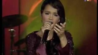 Siti Nurhaliza - Hapuslah Airmatamu (live)