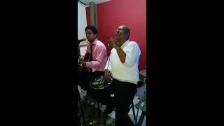 Sidney Da Colina cantando  Ogum - Zeca Pagodinho