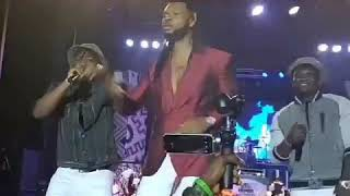 FLAVOUR x UMU OBILIGBO on Stage...😮🔥...Watch what fans dif
