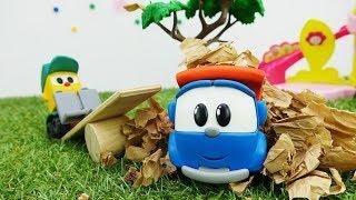Araba oyunları. Çizgi film oyuncakları Leo Junior ve Lifty oyun alanı temizliyor! 🎠