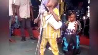 SEE WHAT WONDER BOY DRUMMER DOING ON STAGE WITH SAHEED OSUPA PLZ SUBSCRIBE
