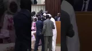 Bagarre à l'Assemblée nationale entre députés de l'opposition et ceux du pouvoir