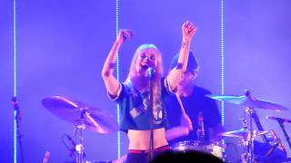Paramore - Everywhere (Fleetwood Mac cover) | 013, Tilburg