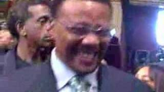 Judge Mathis hugs Natalie Cole in Church