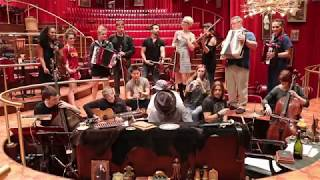 The Great Comet Orchestra Performs the Bows Music