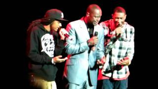 Brian McKnight and sons sing the National Anthem.MP4