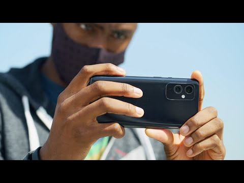 OnePlus 9 Review: Sneaky Value!