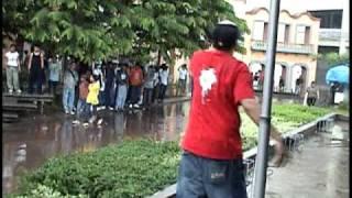 Espina Dorsal - El Rocamboli del Boli LIVE in Plaza Central Tegucigalpa