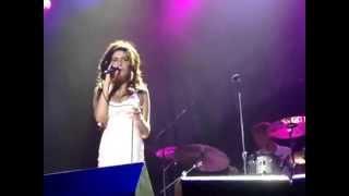 Amy Winehouse -  Me & Mr Jones Live Florianópolis