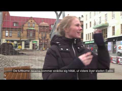 Liva Isakson Lundin berättar om sitt konstverk Omväg som ska pryda Stora torg i Eslöv