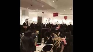 Saudi Women in shopping mall.😂