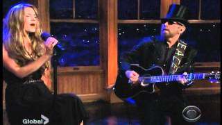 Joss Stone & Dave Stewart - Landlord (Live on CBS)