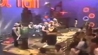 Keep on dancing.- Gary's Gang