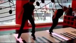 Bach - Toccata DANCE
