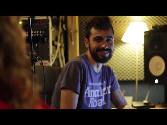Little Closer - Compañia de Sueños Ilimitada (Ft. Iñigo Bregel - Los Estanques)  Grabado en el estudio de Iñigo Bregel en Madrid.