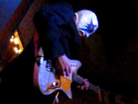 los-straitjackets-calhoun-surf-unsteadyfreddie