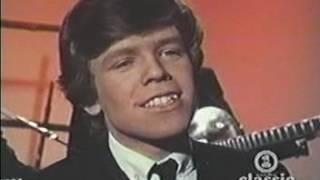 Herman's Hermits   I'm into Something Good LIVE 1964