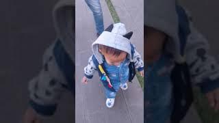 Baby lucu lari di gedug sate
