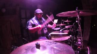 "Dave Loops, ""Vivir mi vida"" drum cover"