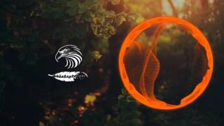 Leonell Cassio - Me 4 Me (ft. Julia Mihevc)