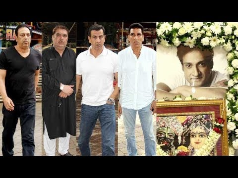 Bollywood Celebs Attend The Prayer Meet Of Inder Kumar
