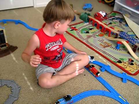 Zade Covingtons day out with thomas and friends