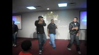 FMG performs Differenter live [snippet] (@MusicFMG)