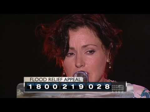 tina-arena-i-only-want-to-be-with-you-live-at-flood-relief-appeal-dareu2behappy