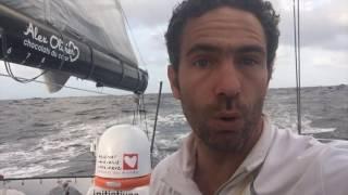 Tanguy de Lamotte explique son avarie de mât. / Vendée Globe