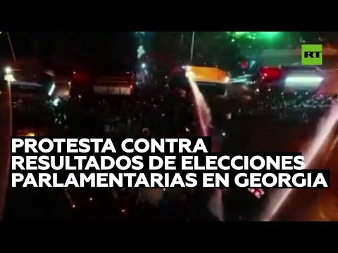 Policía usa cañones de agua contra manifestantes de la oposición en Georgia