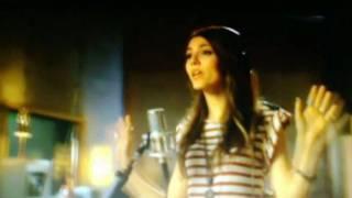 Freak the Freak Out- Victoria Justice ft. Victorious Cast